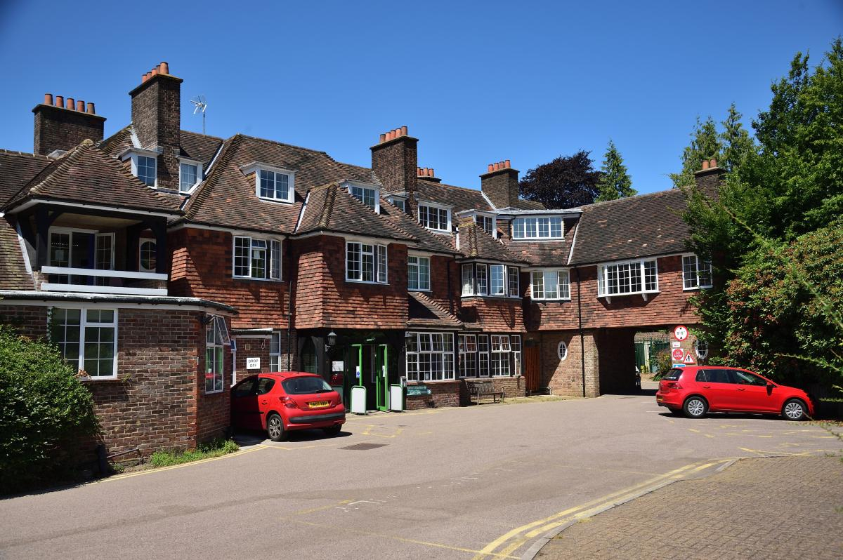 Pic of outside of Haslemere hospital